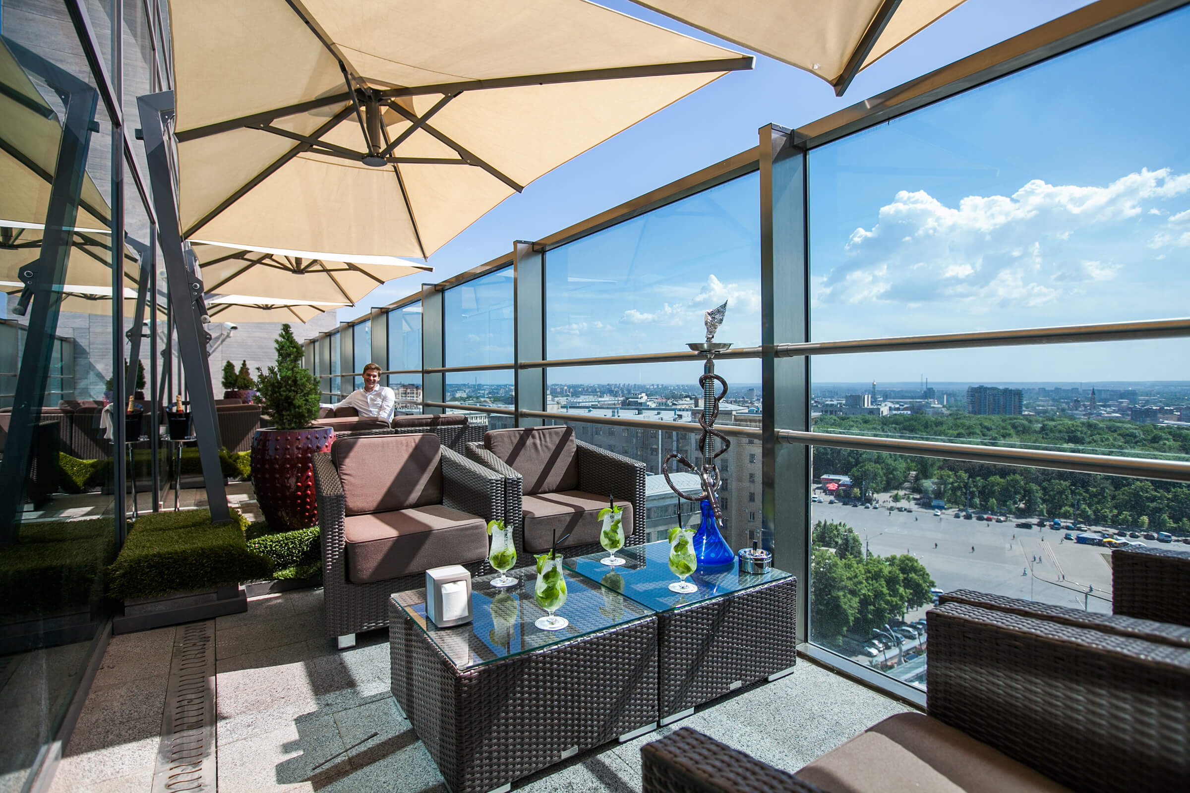 Sky Lounge - панорамный ресторан-бар в Харькове, отель Харьков Палас